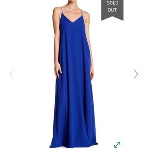 Nicole Miller New York - V-Neck Straight Gown. 4.